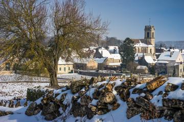 Village de Bourgogne enneigé
