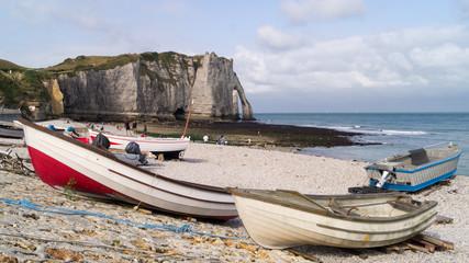 Spiaggia e falesie ad Étretat