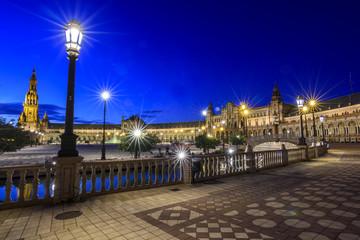 Photo sur Plexiglas Artistique view of the Plaza de España in Seville at night in Andalucia, Spain