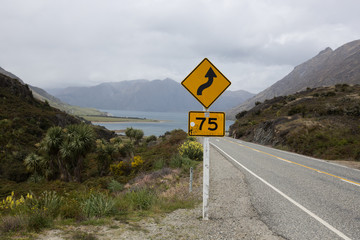 New Zealand road bend sign 75