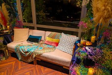 パーティー会場のソファー