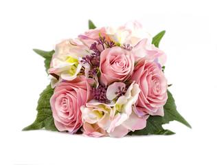 Букет искусственных цветов в керамическом горшке на белом фоне.