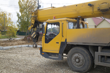 car crane used for construction