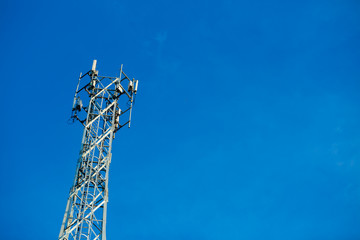 Mobile reciever and transmitter antenna tower