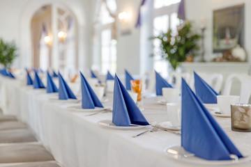 romantische Tischdekoration im Landhausstil