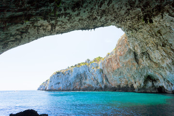 Apulia, Grotta Zinzulusa - Standing under the impressive cave arch at the grotto of Zinzulusa