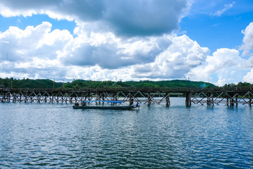 Uttanunan Bridge The bridge is the longest wooden bridge in Thailand. It is a bridge across the Song Gora River. Nong Lua District Sangkhlaburi District Karnchanaburi Photo taken on 27/9/2018.