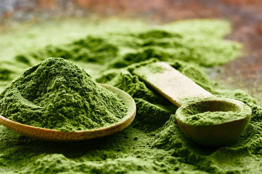 Green detox superfood powder