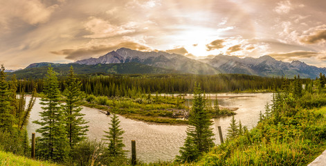 Wall Mural - Sunrise at the meandering of the River Bow in Canadian Rockies