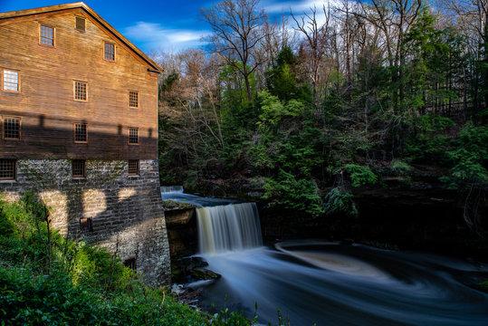 Lanterman's Falls / Lanterman's Mill - Mill Creek Park - Youngstown, Ohio