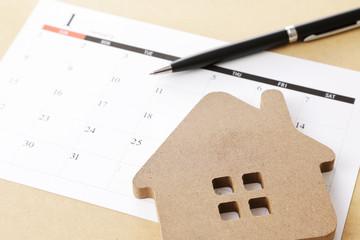 家とカレンダー イメージ House and calendar image