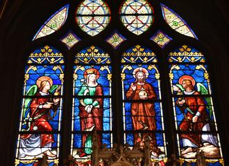 Glasraam van Christus en de Maagd in de kerk Saint-Germain l& 39 Auxerrois in Parijs, Frankrijk