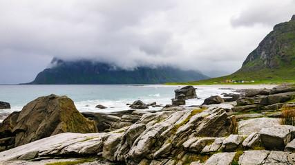 Strand von Utakleiv auf den Lofoten ( Norwegen )