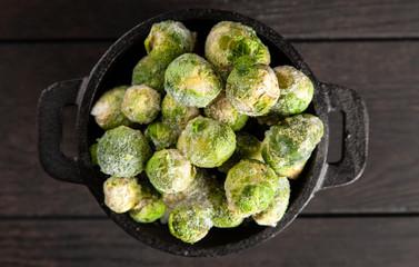 Fotoväggar - Frozen brussles sprouts