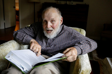 "Arthur Ashkin, who won the 2018 Physics Nobel Prize for inventing ""optical tweezers"", poses in his home in Rumson, New Jersey"