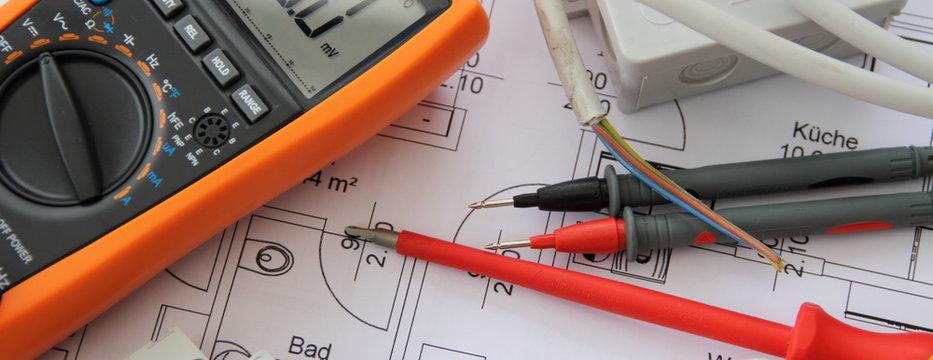 Multimeter mit einem Schaltplan 5