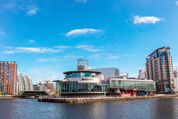 In de dag Theater The Lowry at Salford Quays is the Greater Manchester`s most visited tourist attraction