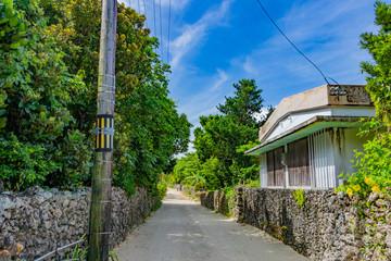 沖縄竹富島 古民家と琉球瓦