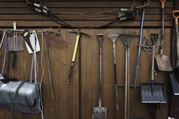 spade fittings for wooden wall v v