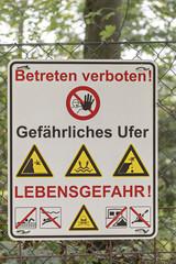 Schild mit dem Hinweis Betreten verboten