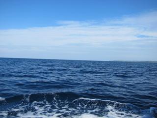 ボートの波しぶき