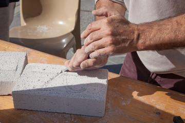 La main du sculpteur