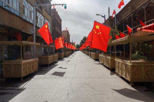 Market street in Kashgar during Chinese National Holiday (Xinjiang, China)