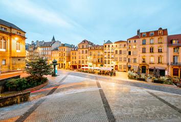 Night street view in Metz city, France Fototapete