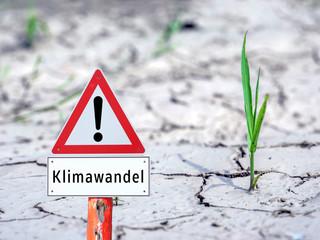 Trockenheit Klimawandel Schild