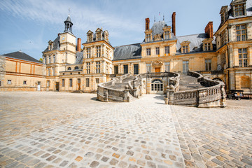 In de dag Historisch geb. Fontainebleau with famous staircase in France