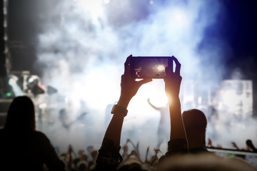 Video recording of the music show by smartphone, shooting on mobile