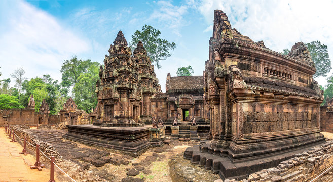 Banteay Srei temple in Angkor Wat