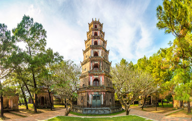 Foto op Canvas Asia land Thien Mu Pagoda in Hue, Vietnam