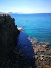 Terrazza, scogli e mare, foto scattata a Piombino