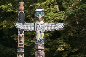 Fototapeta First Nations totem poles in Stanley Park, Vancouver, Canada obraz