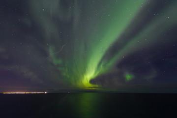 Polarlicht vor Reykjavik