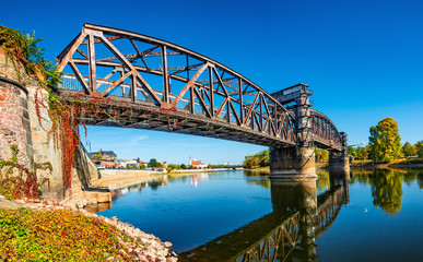 Foto auf AluDibond Bridges Old Town Railway Bridge in Magdeburg, Elbe river and downtown at Autumn