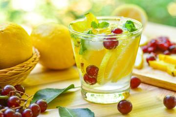 lemon grape star apple fruit soda drink for detox water Fototapete