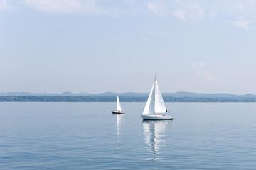 Segel, Segelboot, See