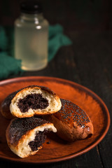 pies with poppy seed