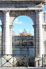 Spoed Fotobehang Fontaine la fontaine d'eau chaude à DAX