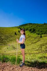 Fillette en Randonnée au Puy Pariou  en Auvergne