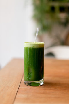 fresh cold pressed green juice