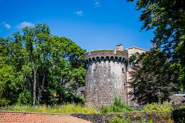 Le Château Dauphin à Pontgibaud