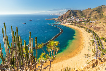Poster Canarische Eilanden Beach Las Teresitas in Tenerife - Canary Islands Spain