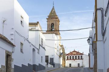 Iglesia de San Jorge y ayuntamiento del pueblo de Alcalá de los Gazules, municipio de la provincia de Cádiz, España