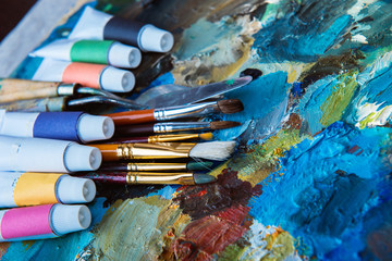 oil paints, palette, art paint brushes