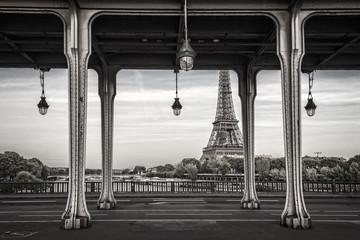 Wall Mural - Bir Hakeim bridge, Eiffel tower in the background, Paris France