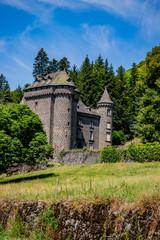 Château ancien dans le Cantal