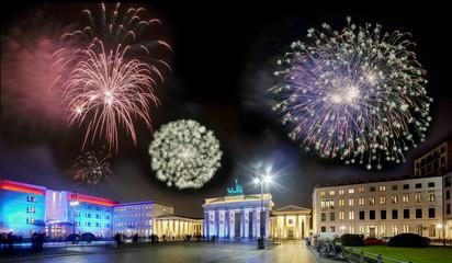 Pariser Platz Berlin Feuerwerk Brandenburger Tor